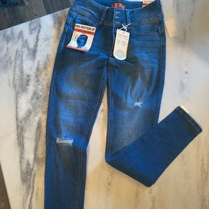 """Women's blue denim """"push up"""" jeans"""
